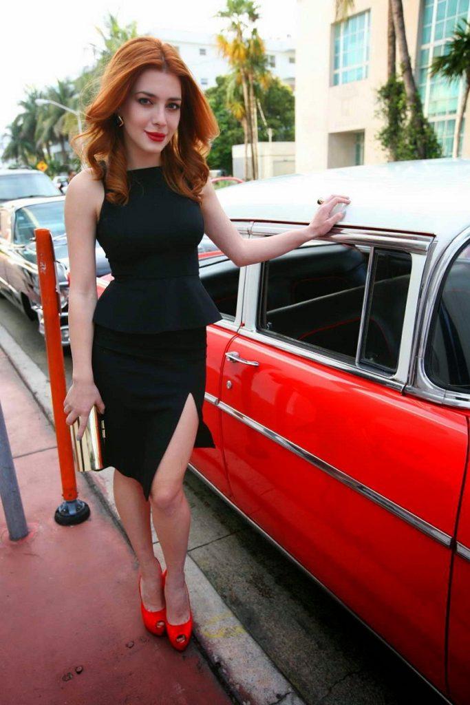 Hollywood Actress Elena Satine Images