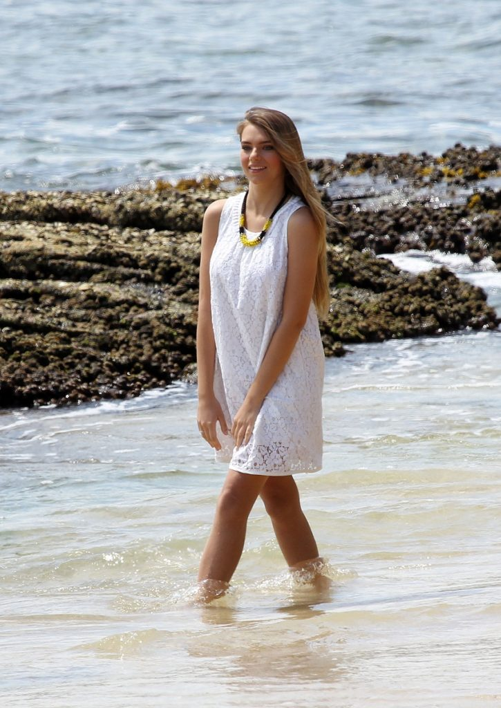 Indiana Evans Pics Free Download
