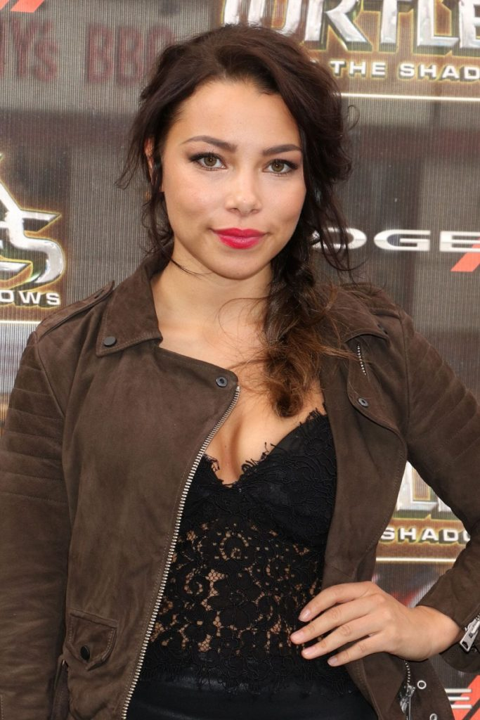 Jessica Parker Kennedy Charming Images