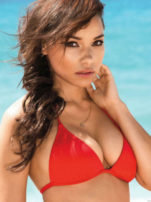 Jessica Parker Kennedy Images Free Download
