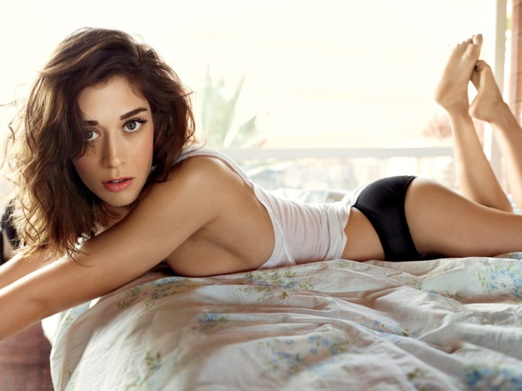 Lizzy Caplan Photos In Bra Panty