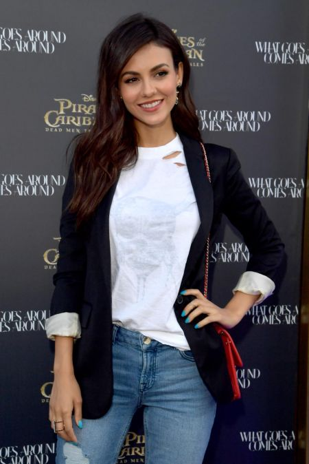 Victoria Justice Images In Jeans Top