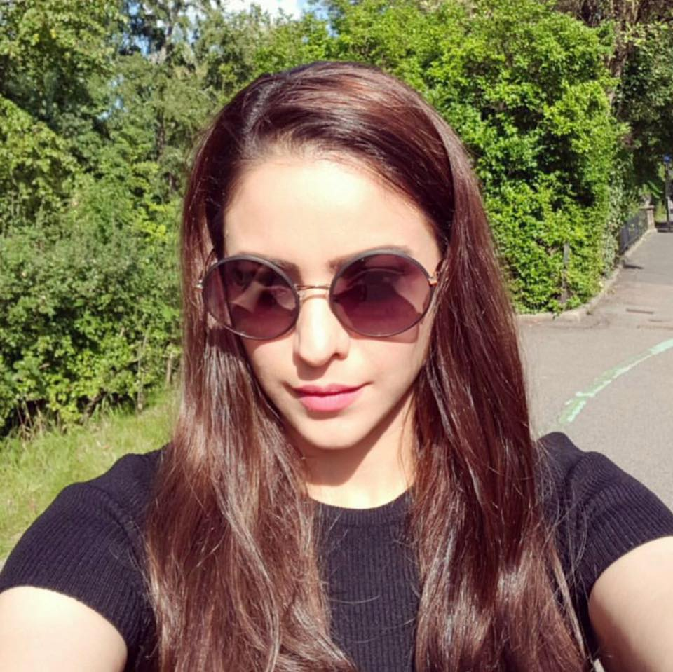 Aamna Sharif Full HD Pics