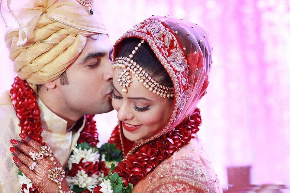 Aamna Sharif Marriage Pics Photoshoot