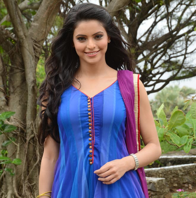 Aamna Sharif Wallpapers Download