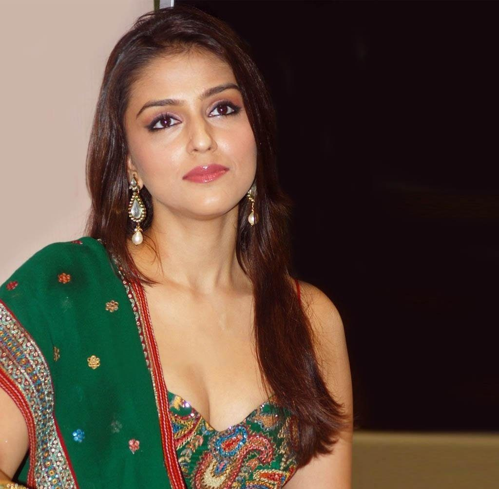 Aarti Chabria Hot Images