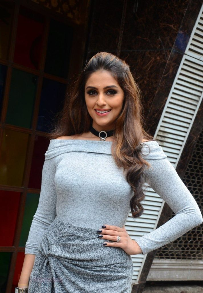 Aarti Chabria Images For Profile Pics