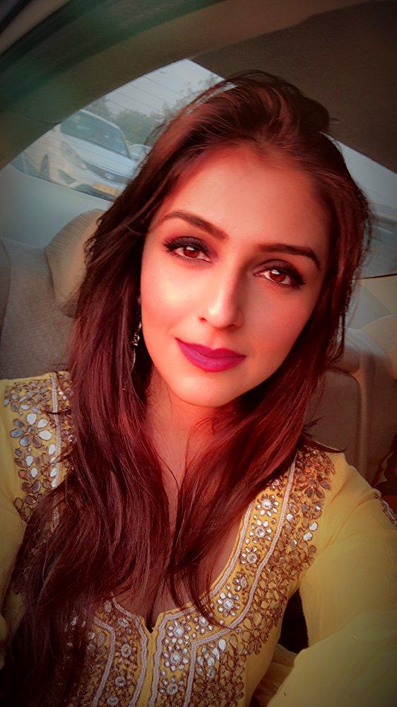 Aarti Chabria Sexy Pics