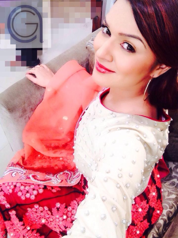 Young Hacked Aashka Goradia 2002  nudes (38 images), Facebook, cleavage