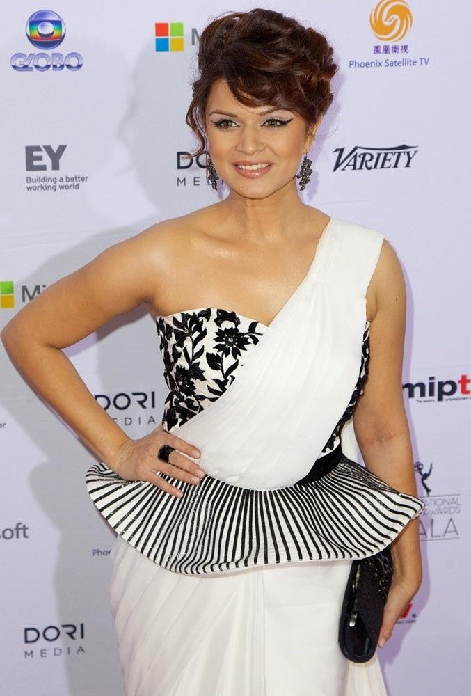 Aashka Goradia Hot Images At Award Show
