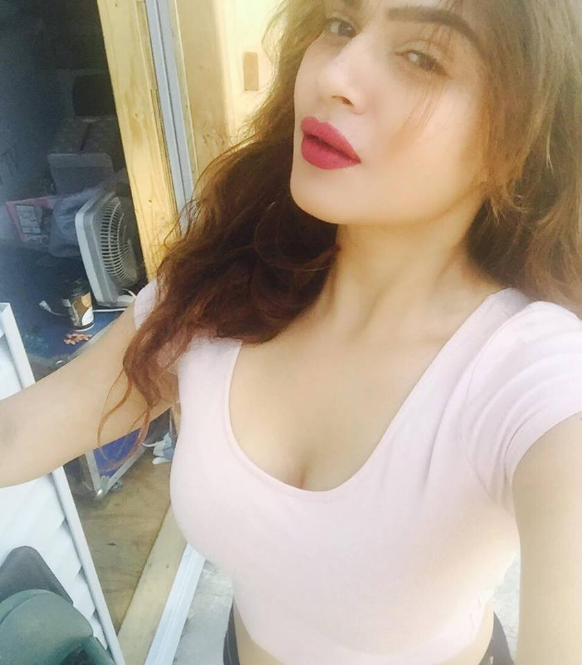 Aashka Goradia Hot & Sexy Pictures