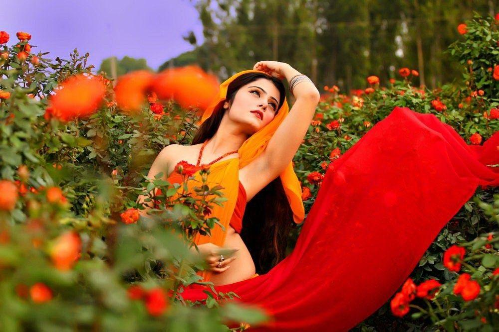 Akanksha Juneja Bold Sexy Unseen Images