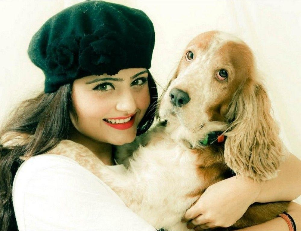 Akanksha Juneja Sexy Pictures His Dog