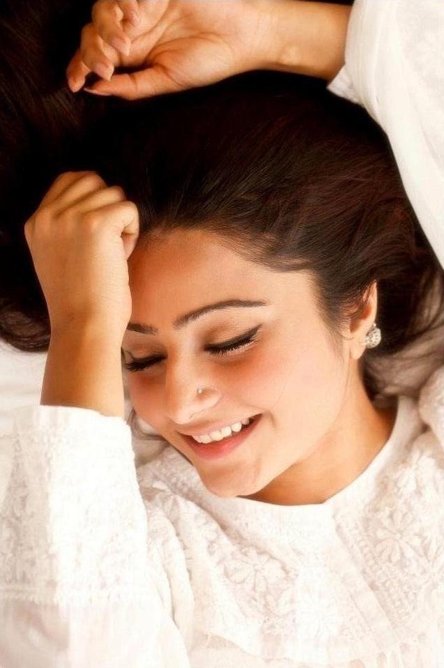 Akanksha Juneja Smiling Wallpapers Full HD