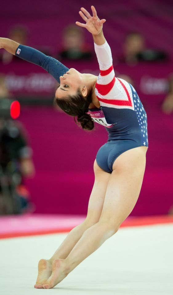 Aly Raisman Spicy & Sizzling Photos