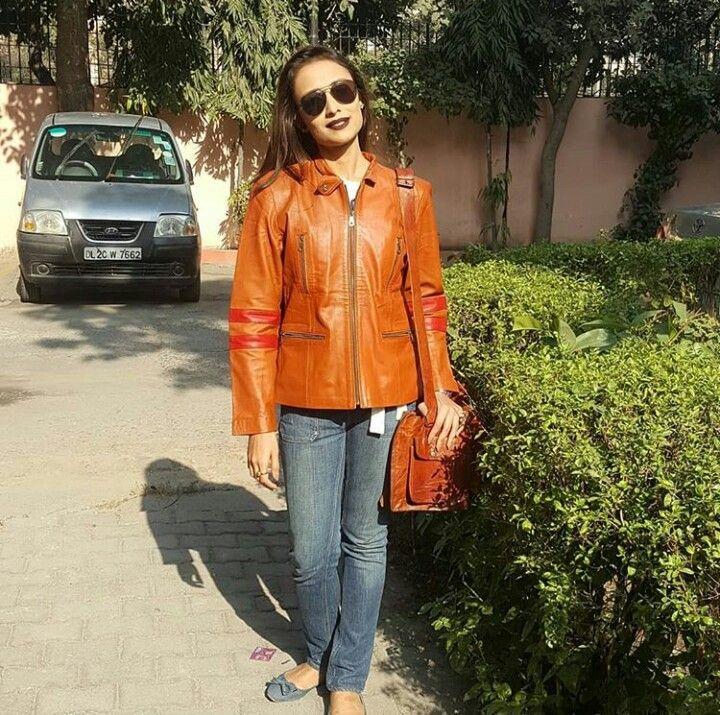 Anupriya Kapoor Beautiful Pics