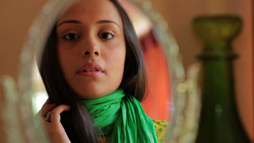 Anupriya Kapoor New Look Pics