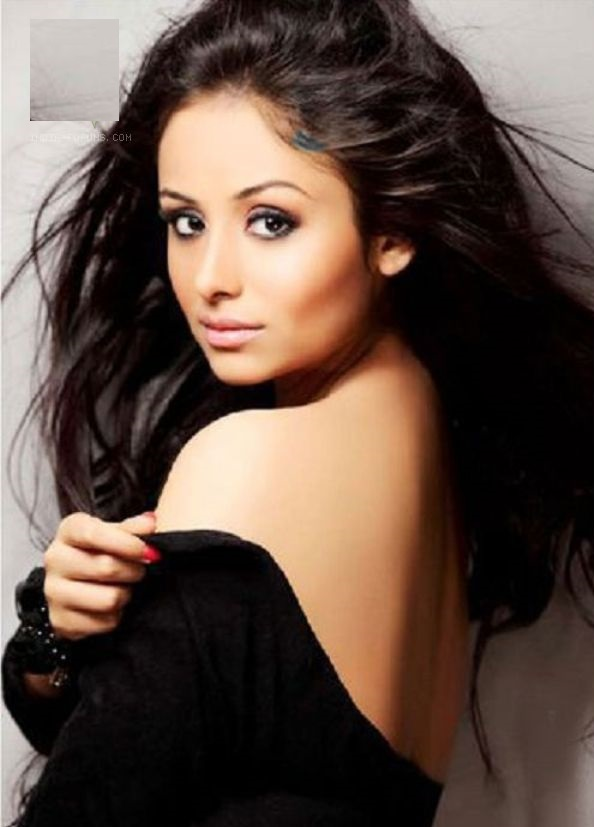 Anupriya Kapoor Sexy Images