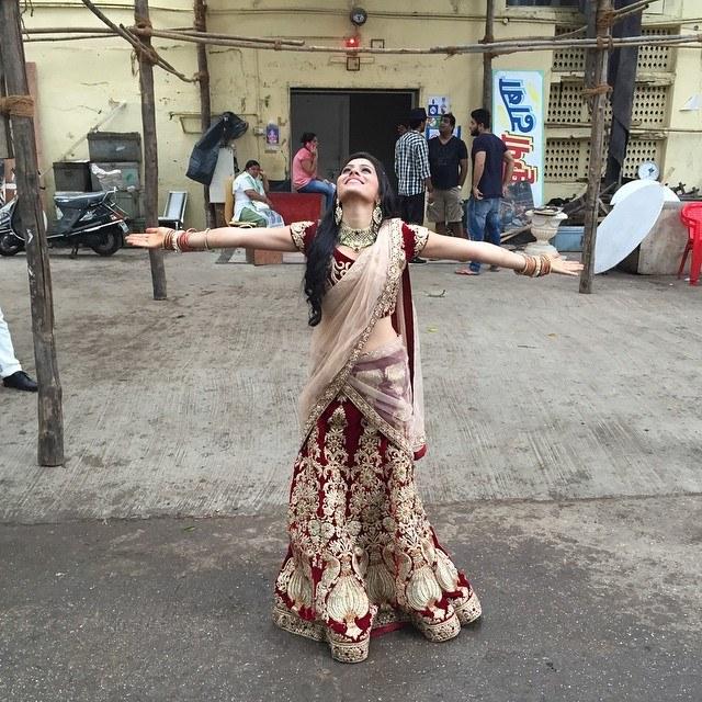 Aparna Dixit Dancing HD Wallpapers