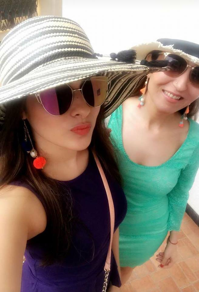 Aparna Dixit Hot HD Photos Gallery