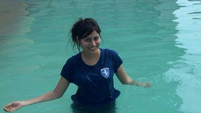 Aparna Dixit In Swiming Pool Pictures