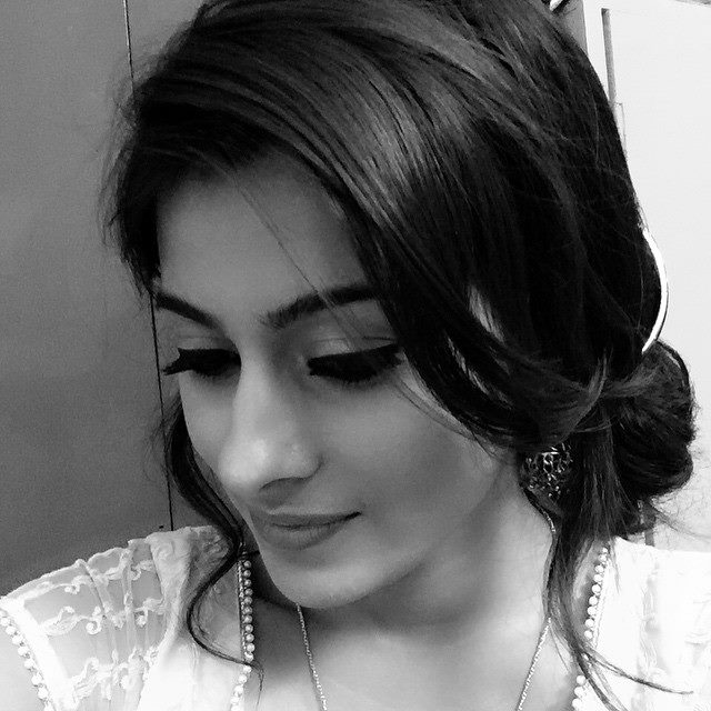 Aparna Dixit Latest Stylish Images