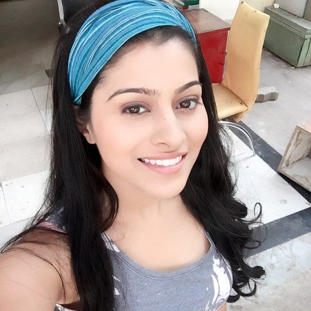Aparna Dixit Smile Images HD