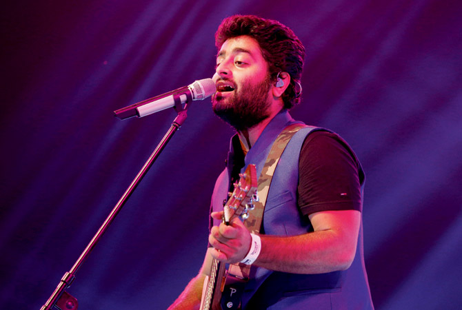 Arijit Singh New & Nice Look Pictures For Profile Pics