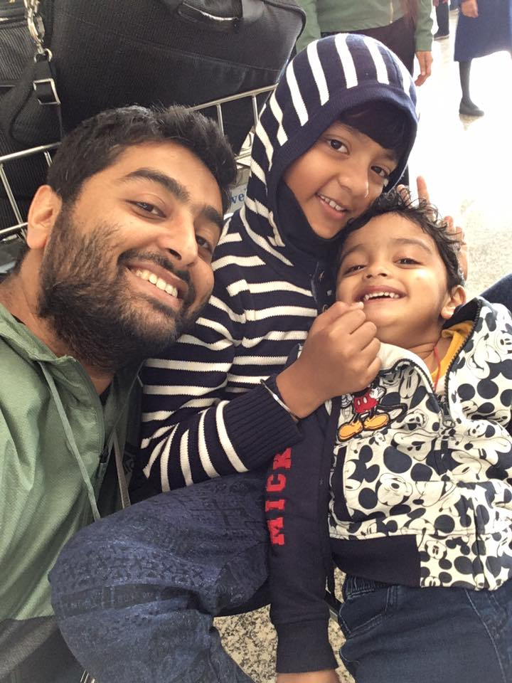 Arijit Singh Pics With His Children