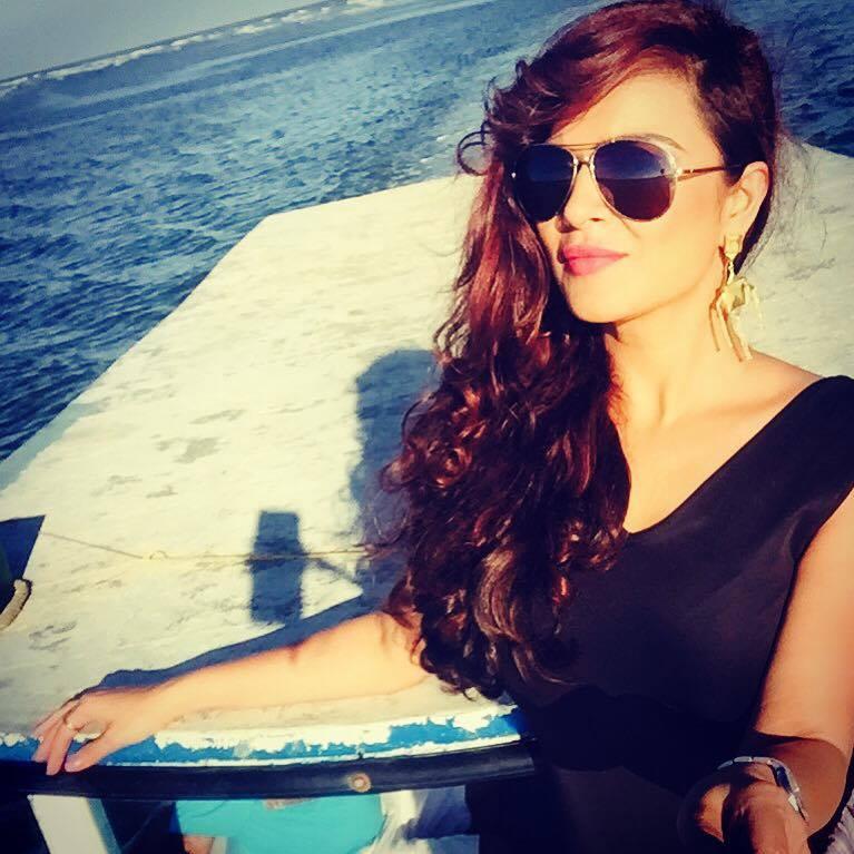 Attractive Aashka Goradia New Sexy Pics