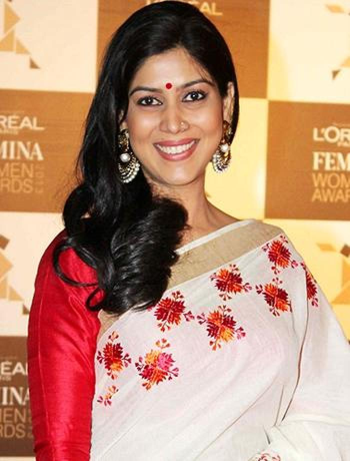 Bollywood Actress Sakshi Tanwar Pictures