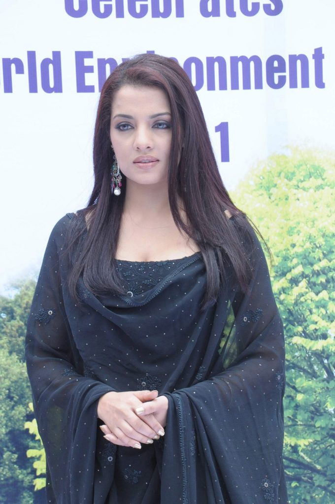 Celina Jaitley Bold Wallpapers
