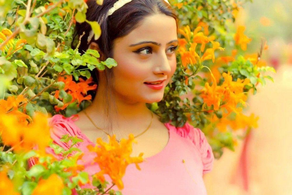 Charming Akanksha Juneja Latest New Pics