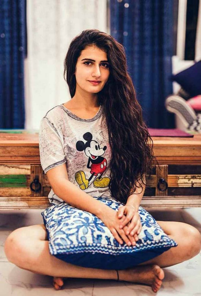 Fatima Sana Shaikh HD Wallpapers Free For Desktop Profile