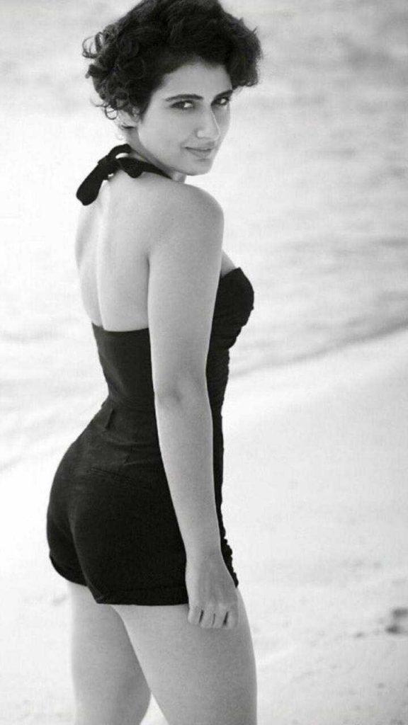 Fatima Sana Shaikh Hot Backside Pictures