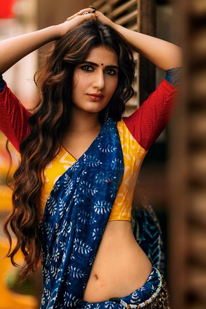 Fatima Sana Shaikh Sexy Spicy Navel Wallpapers