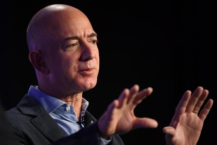 Handsame Jeff Bezos Pics HD
