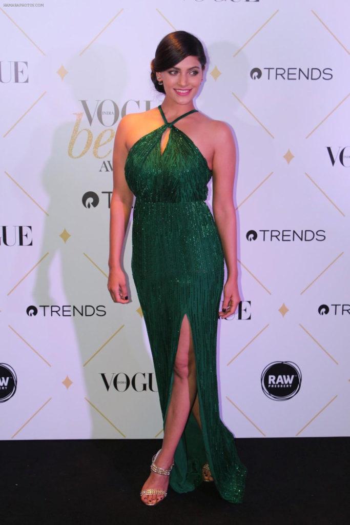 Indian Actress Saiyami Kher Very Hot Pics
