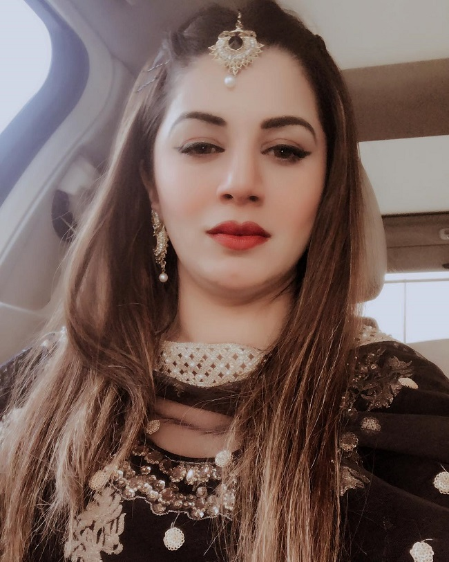 Kainaat Arora HD Wallpapers HD