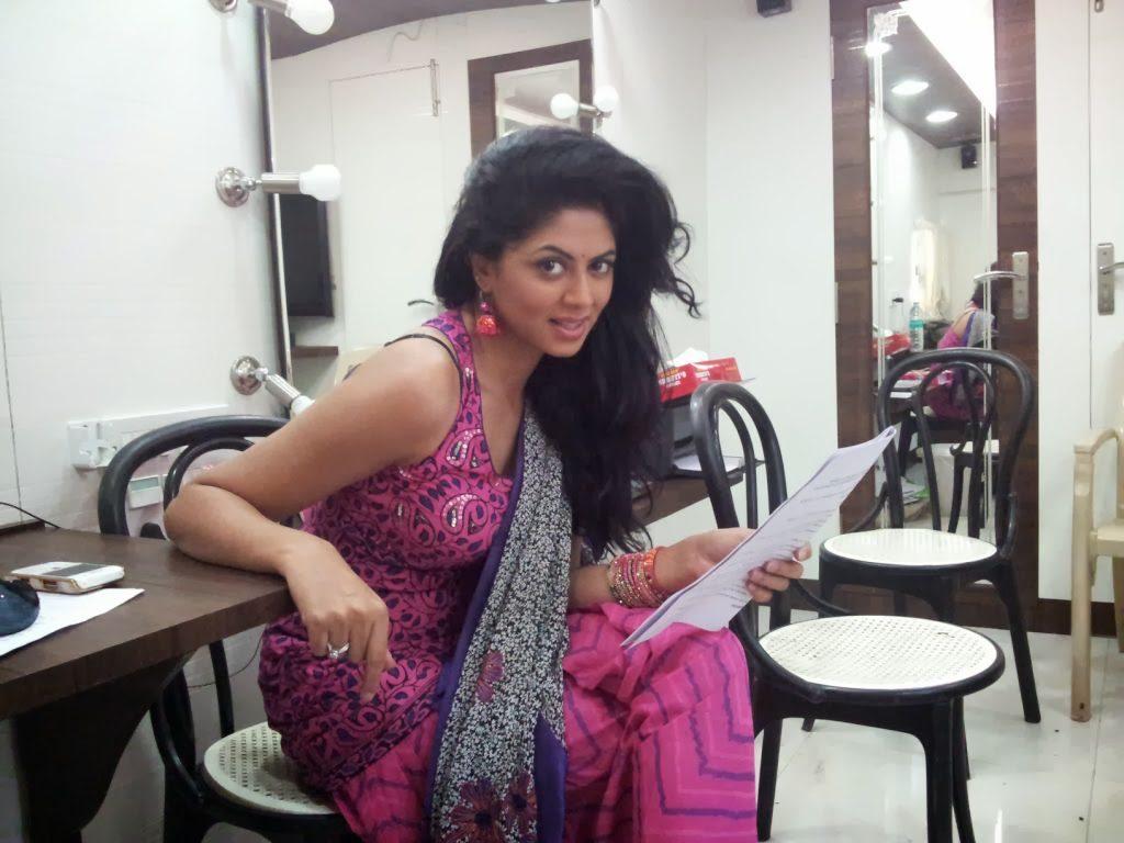 Kavita Kaushik Photos For Profile Pics