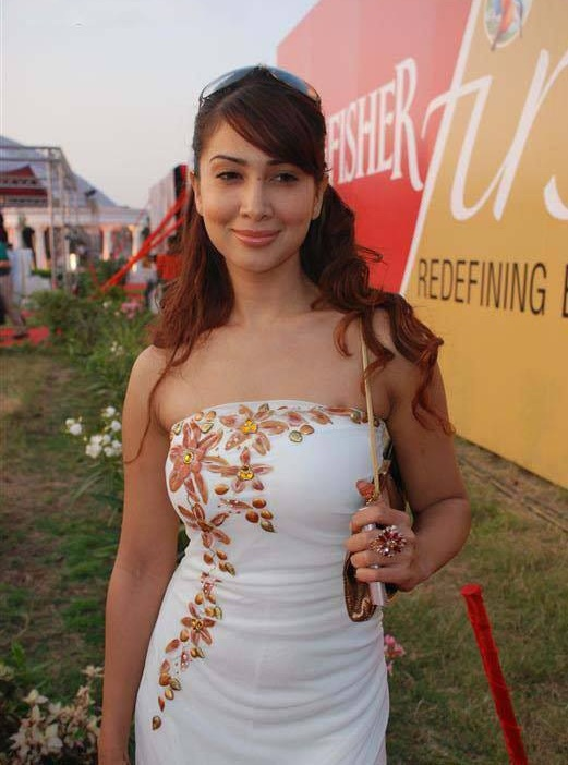 Kim Sharma Attractive Photos