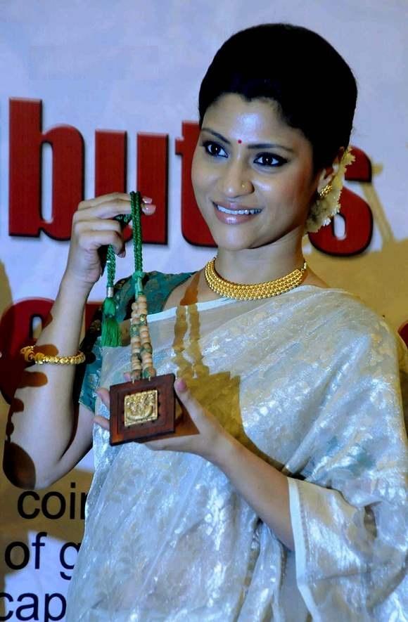 Konkona Sen Sharma Cute & Lovely Pics