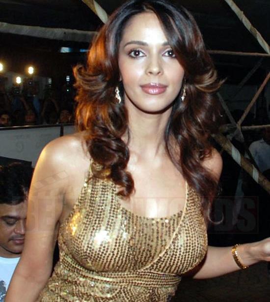 Mallika Sherawat Hot Boobs Showing Pics