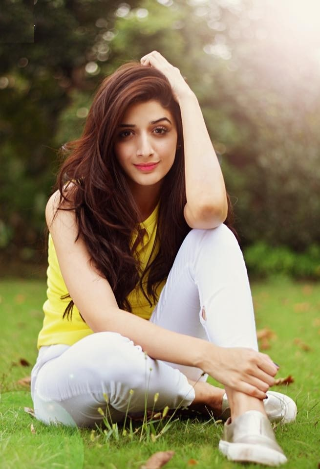 20 Mawra Hocane Hot In Shorts Hd Images Galleries