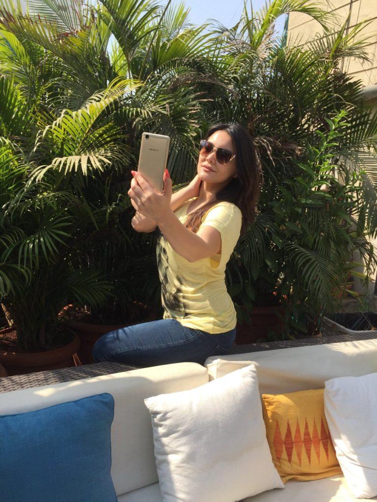 Minissha Lamba Hot Images