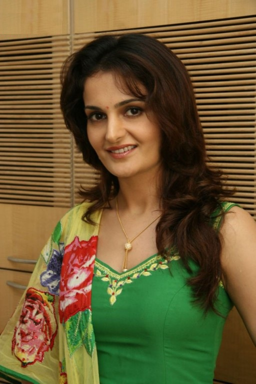 Monica Bedi Images At Award Show