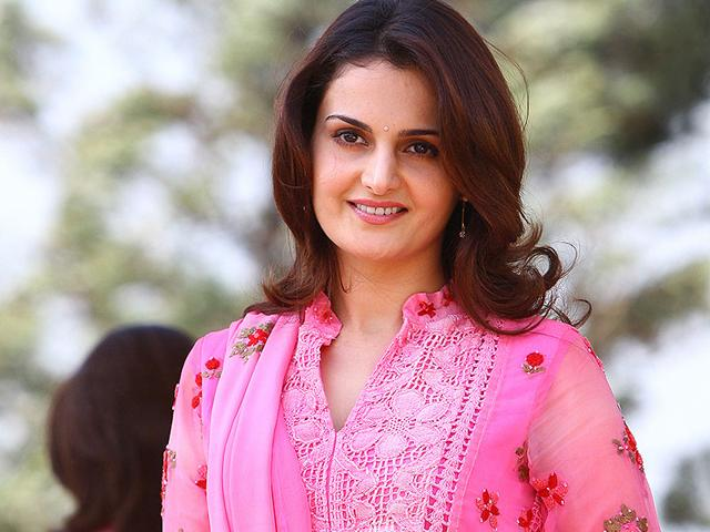 Monica Bedi Photoshoots For Profile Pics