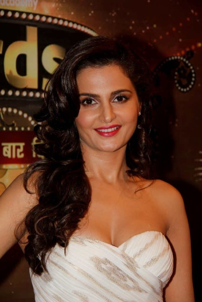 Monica Bedi Wallpapers For Destkop