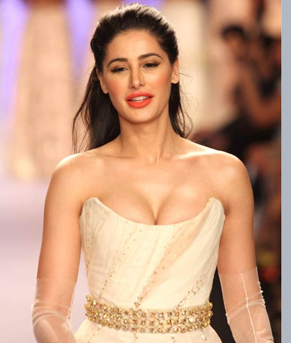 Nargis Fakhri Full HD Photos