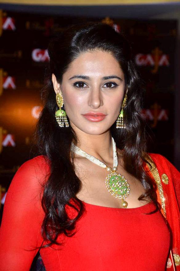 Nargis Fakhri Latest Hair Style Pics